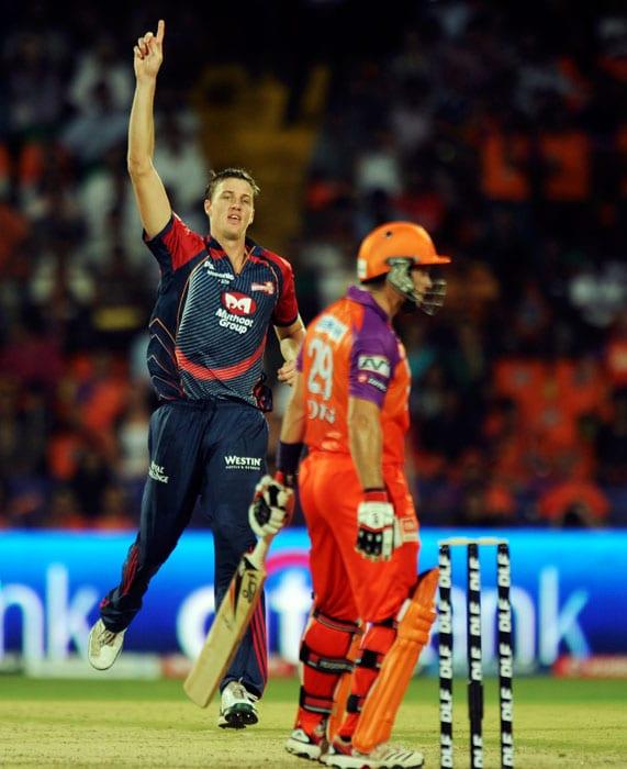 Morne Morkel celebrates the wicket of Brad Hodge during the IPL Twenty20 match between Kochi Tuskers Kerala and Delhi Daredevils at the Jawaharlal Nehru International Stadium in Kochi. (AFP Photo)