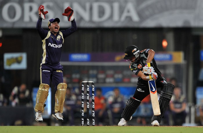 Shreevats Goswami appeals successfully against Manish Pandey during the IPL Twenty20 match between Pune Warriors India and Kolkata Knight Riders at the DY Patil Stadium on the outskirts of Mumbai. (AFP Photo)