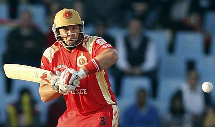 <b>Jacques Kallis</b><br><br> Kallis showed that age is no bar in the third edition of the IPL. Fighting tooth 'n' nail with Sachin Tendulkar for the 'Orange Cap', this South African all-rounder played many majestic knocks for the Bangalore side.<br><br> Is expected to generate considerable amount of interest amongst the buyers.