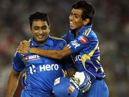 Photo : IPL 5: Mumbai beat Punjab by 4 wickets