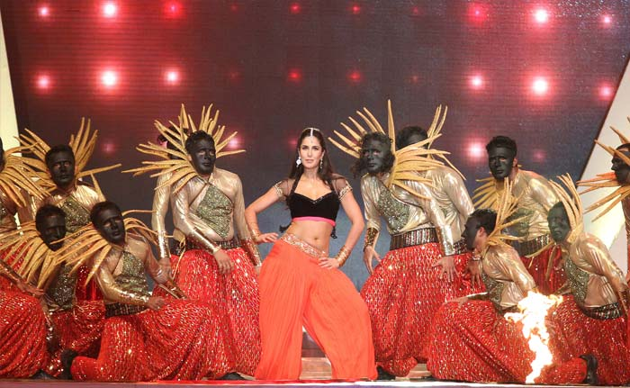 Katrina sizzles the stage. She danced to Bollywood chartbusters (BCCI Image)