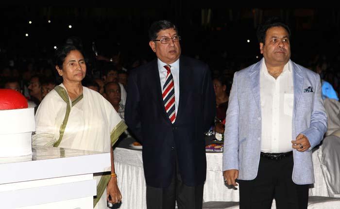 West Bengal Chief Minister Mamta Banerjee seen with BCCI President N Srinivasan and IPL chairman Rajeev Shukla. (BCCI image)