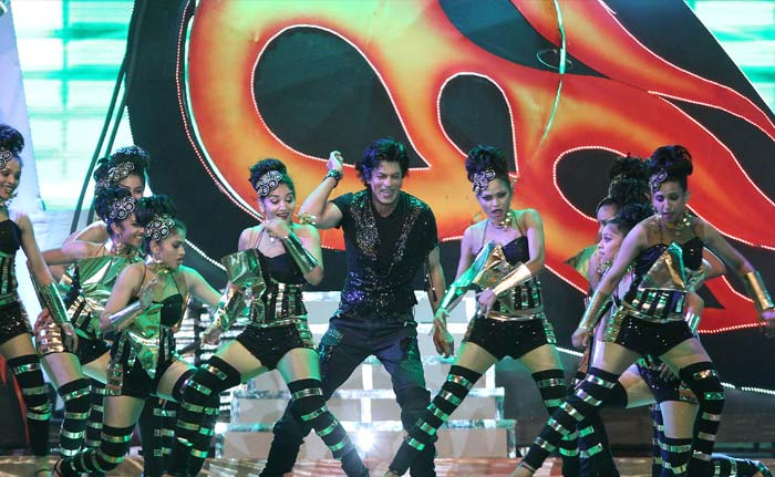 SRK performing in the opening ceremony of IPL6. (BCCI Image)