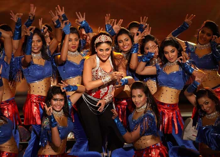 Actress Kareena Kapoor performs on stage during the event. Indian cricketer Suresh Raina said her's was the best performance of the night!(PTI image)
