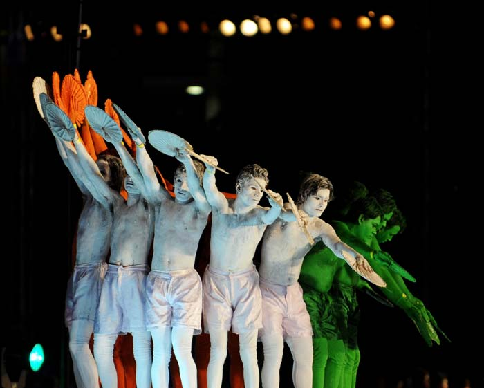 These artists had their entire body painted in the colours of the Indian flag as they even managed to replicate the fluttering motion with considerable ease. (AFP PHOTO)