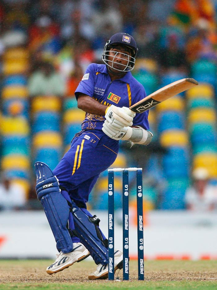 Mahela Jayawardene: A big name, Jayawardene's ability as a batsman was never in doubt. He would get a team and at a good price was expected as well. Some however are taken aback by the staggering amount of $14,00,000 that Delhi paid for him.