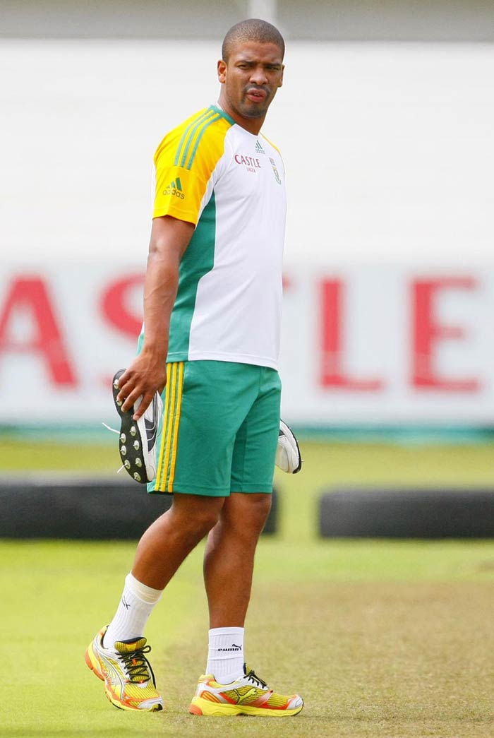 Vernon Philander: South Africa's rising star with the ball, he played a huge role in dismantling the Australian batting in a recent tour. Had a base price of $200,000 but could not get a team as he went unsold.