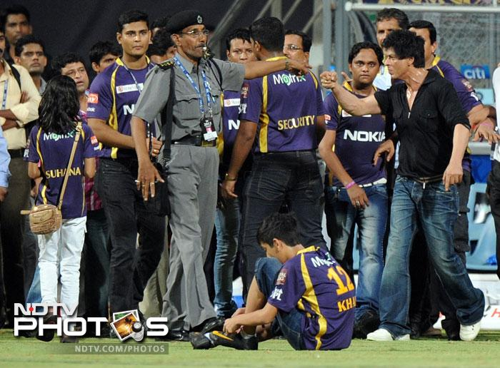 <b>SRK scuffle at Wankhede:</b> Bollywood superstar Shah Rukh Khan has been handed a five-year ban from entering the Wankhede Stadium by the Maharashtra Cricket Association. The association has charged him with voluntarily hurt and criminal intimidation of stadium staff during an argument on Wednesday night after a Kolkata Knight Riders and Mumbai Indians match. The MCA alleged that Shah Rukh was drunk.<br><br>The actor admits he used abusive language but says he was provoked by security personnel pushing and touching his children and their friends. He has also denied that he was drunk and instead has countered that he was bullied by the MCA officials who he says were high-handed.
