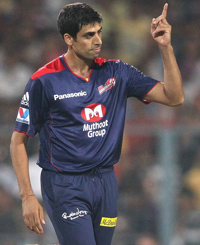 Ashish Nehra gave delhi fans a reason to cheer by taking the first wicket of Manvinder Bisla who got caught at point after the ball bounced on him. (BCCI image)