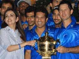 Photo : Ambanis host party in honour of Mumbai Indians' maiden IPL triumph