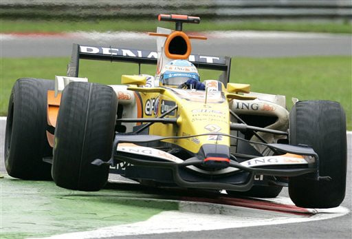 Spain's Fernando Alonso steers his Renault during the Formula One Grand Prix in Monza, Italy on September 14, 2008.