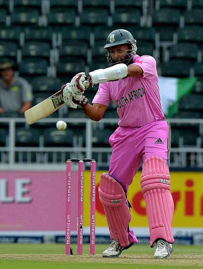 Hashim Amla supported De Kock with timely hits to the fence and the two openers recorded a hundred-run opening stand after 17 innings for the Proteas. Amla was bowled by Mohd Shami.