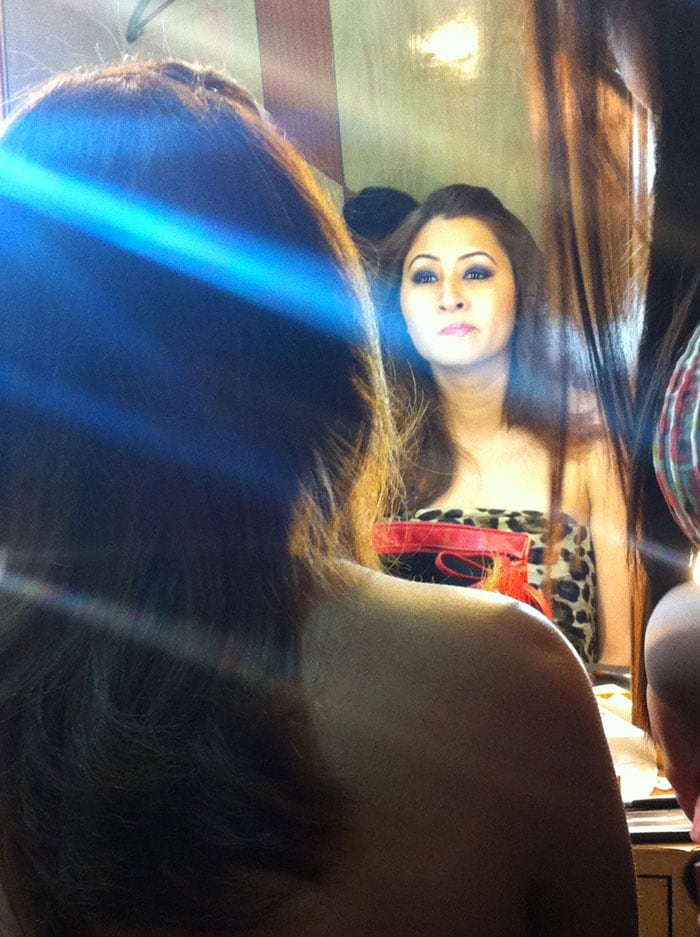 All might not be going well for Jwala Gutta on the badminton front, with Ashwini Ponnappa 'breaking-up' the successful partnership, but she is on her way to do something literally out of the box. In the upcoming Tollywood movie Gunde Jaari Gallanthayyinde, Jwala will be seen in a special song opposite actor Nithin Reddy.