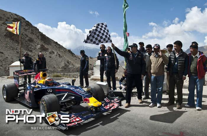 Jani was greeted along the way by Abdullah, who flagged off a part of the historic journey.
