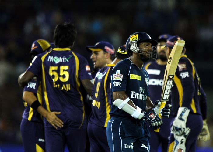 Deccan Chargers' win-less record was maintained by Kolkata Knight Riders as the visitors in Cuttack registered a 5-wicket win. (AFP PHOTO/Dibyangshu SARKAR)