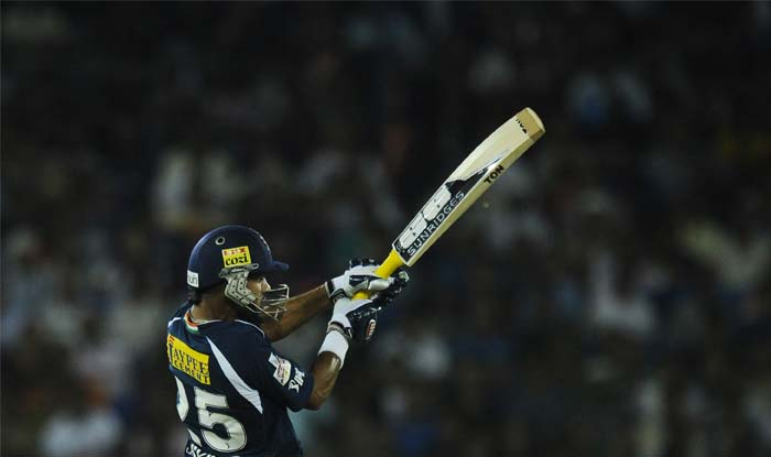 Dhawan's innings had four boundaries and a shot beyond the ropes. (AFP PHOTO/Dibyangshu SARKAR)