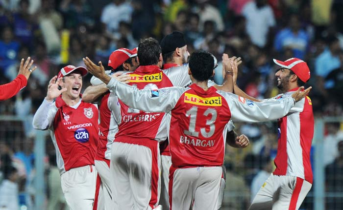 Another IPL match and another close contest as Eden Gardens witnessed a thriller only to have Kolkata go down to Punjab by just 2 runs. A look at how the match was played out. (AFP PHOTO/Dibyangshu SARKAR)