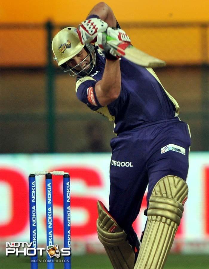 Jacques Kallis plays a shot on his way to 31 after Kolkata began their chase of 155 runs.