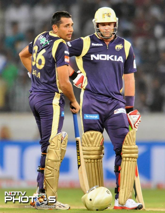 Bisla put on a 73-run opening partnership with captain Jacques Kallis in 9.3 overs, giving Kolkata a perfect start. (AFP Photo)