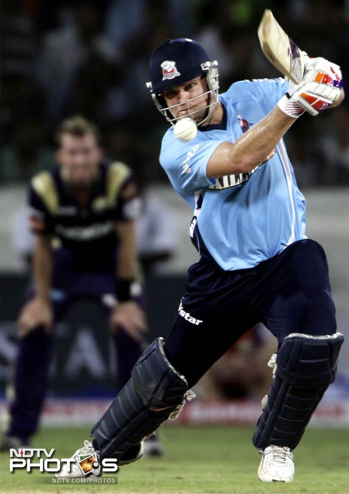 Vincent had put Auckland on course as he amassed 40 runs off 37 balls following Martin Guptill's return to the pavilion after being run out off the first ball. (AP Photo)