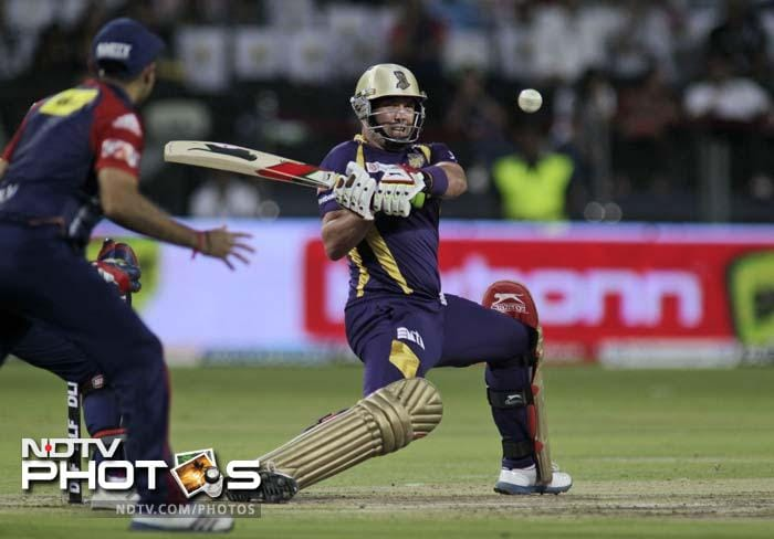 <b>Jacques Kallis:</b> He hasn't exactly been in swashbuckling form getting runs at a strike-rate that is marginally over 100 but he has provided stability at the top of the order with 340 runs in 16 games. Add to that his 14 wickets and the all-rounder again shows just why he is one of the greatest ever to have played the game.