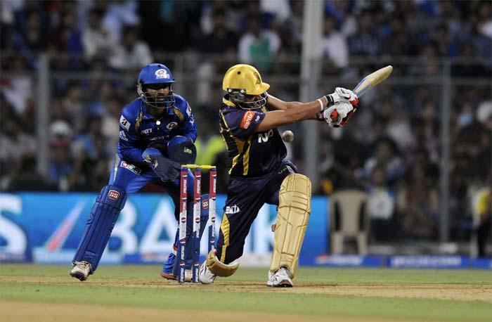 Manvinder Bisla tried to keep up the pace but he too fell. (Image credit BCCI)