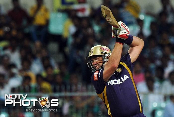Kolkata Knight Riders batsman Jacques Kallis plays a shot during the IPL Twenty20 cricket match against Rajasthan Royals at the Eden Gardens in Kolkata. (AFP PHOTO/Dibyangshu SARKAR)