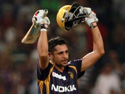 Photo : Kolkata keep hopes alive with 6-wicket win over Punjab