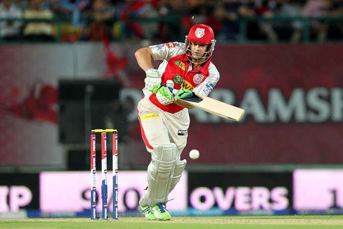 Adam Gilchrist was in a punishing mood as he smashed 42 from 26 balls. (BCCI Image)