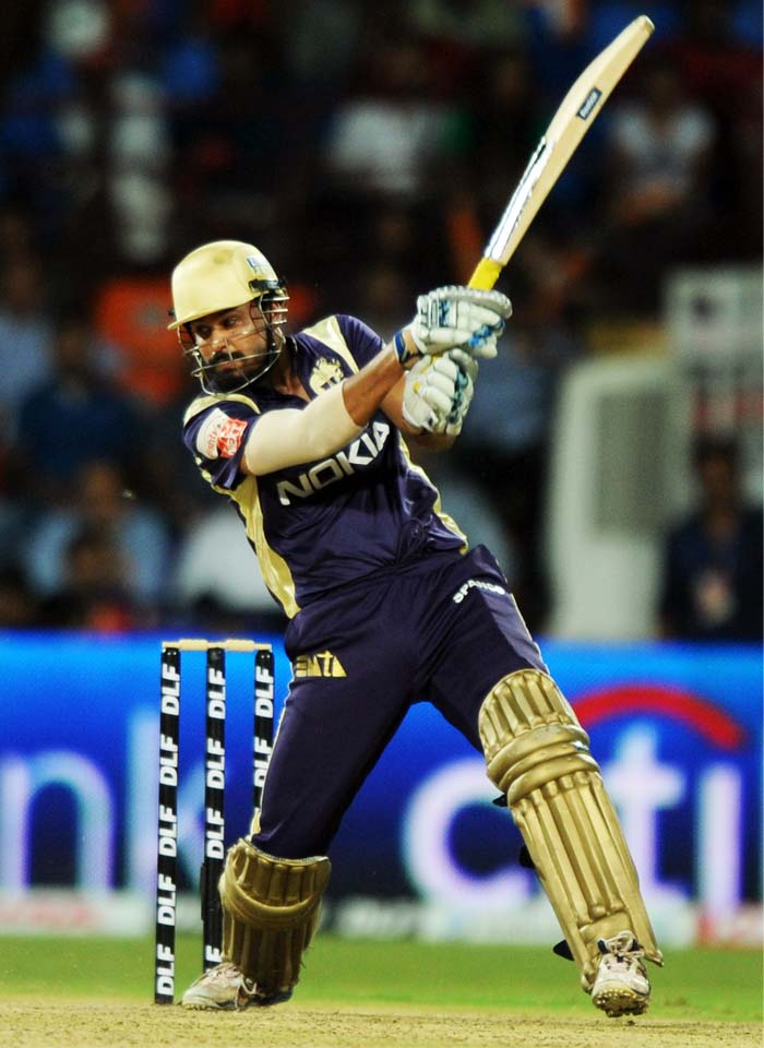 Yusuf Pathan did manage 17 from 13 balls but his timing seemed missing and not enough to take his team through.
