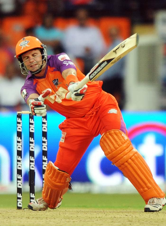 The skipper was partnered well by Brad Hodge who eventually took off and struck terror in the Kolkata camp.