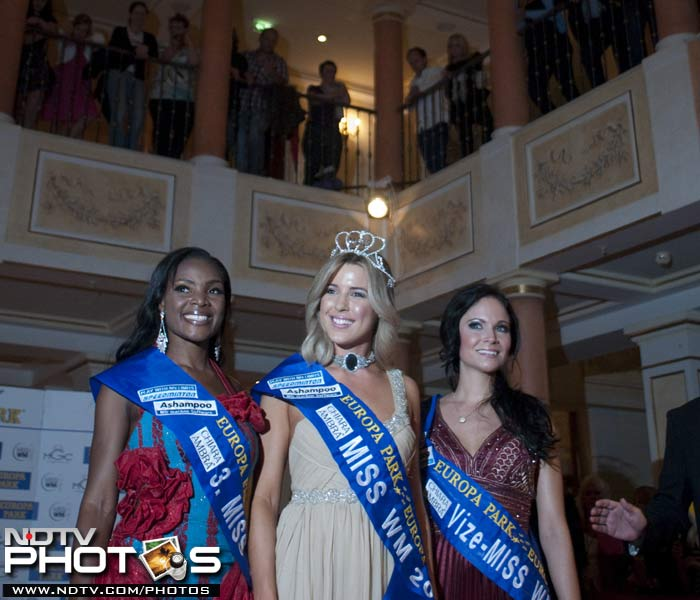 Wisneiwski managed to win the pageant while Trost and Jane Ogbe also made it to the top-three list. (AFP Photo)