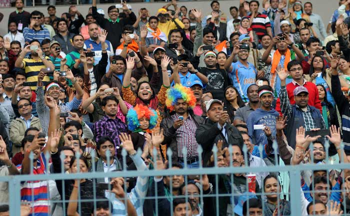 The fans show their appreciation for the years of cricketing excellence that the players put on display. It was not restricted to the Indian players only. (Image courtesy: BCCI)