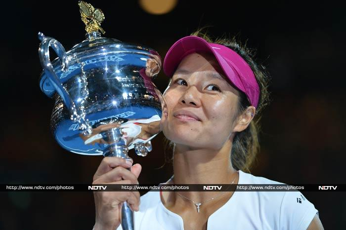Li Na now becomes the first Asian player to win a Grand Slam of the Asia-Pacific.