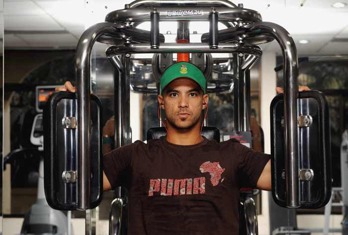 But not all of the Protean players have an eye out on the finer things in life. JP Duminy works hard in the gym though music too, seems to be on his mind. (Getty Images)