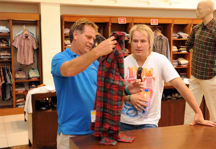 The South African's continue to live it up as Henning Gericke and Morne van Wyke are seen here shopping for something more than just the usual green of their cricket jerseys on the field. (Getty Images)