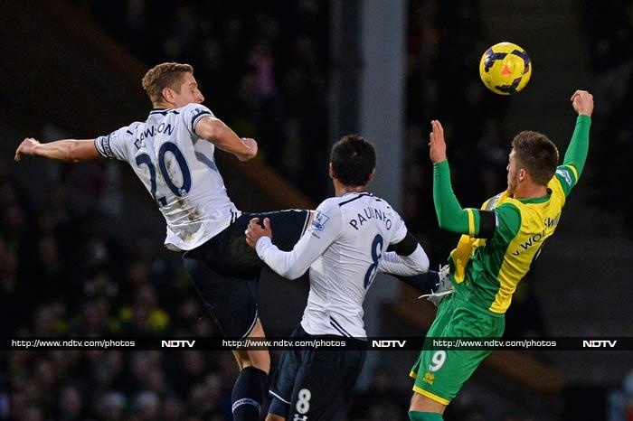Tottenham however suffered a humiliating 0-1 defeat against Norwich City.
