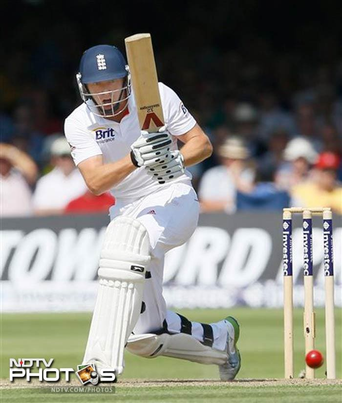 Jonathan Bairstow scored his third fifty in-a-row at Lord's. He was involved in 144-run partnership with centurion Ian Bell.