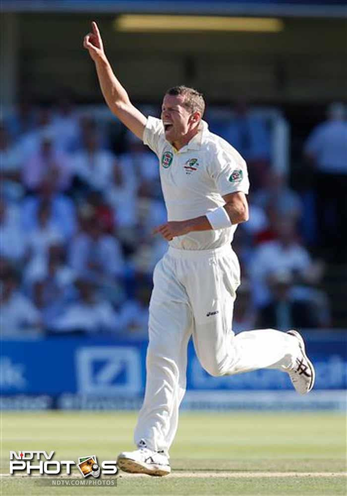 Peter Siddle picked up all the three wickets in England's second innings.