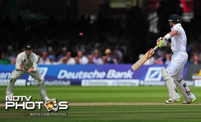 Ian Bell edged Ryan Harris but survived. Steven Smith was claiming the catch at gully but umpire gave him not out. Third umpire was called for and he ruled it in favour of England after seeing the replays.