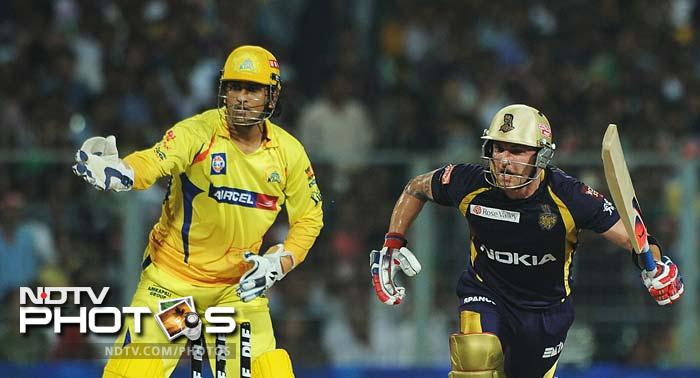 Brendon McCullum at the other end was aggressive as well. He scored 37 off 29 balls. (AFP PHOTO/Dibyangshu SARKAR)