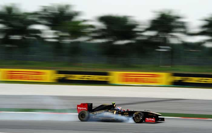 Renault's Vitaly Petrov finished in 8th spot. (Getty Images)