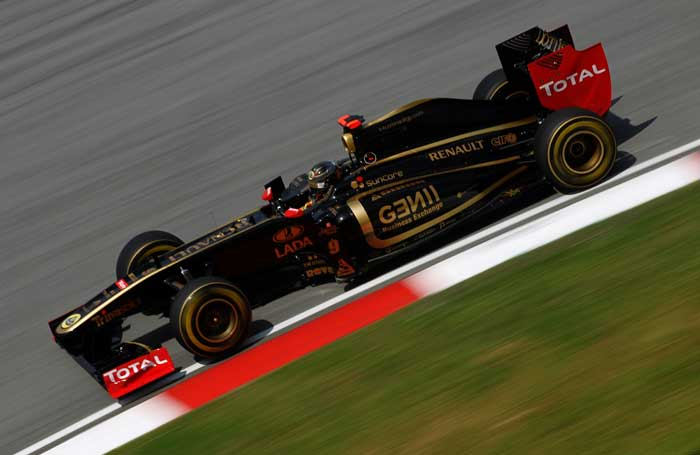 Nick Heidfeld of Germany and Renault drives during practice for the Malaysian Formula One Grand Prix at the Sepang Circuit. Heidfeld finished on fourth spot. (Getty Images)