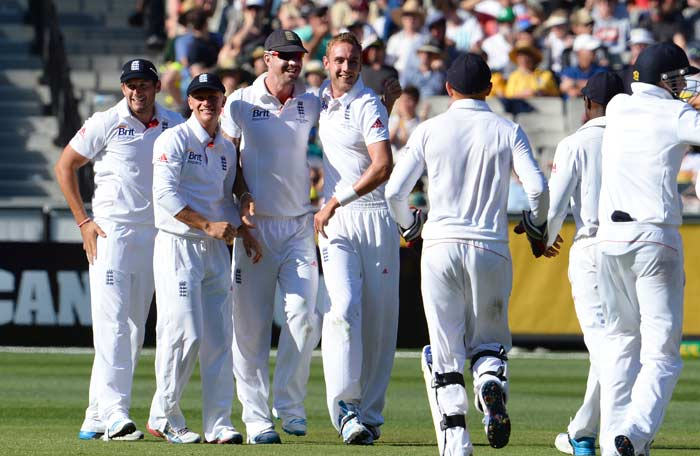 Stuart Broad then made an impact with his last spell of the day, removing tailenders Ryan Harris and Peter Siddle.