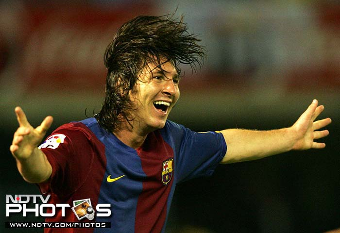 2003: Makes his official debut for Barcelona's first-team on November 16, aged 16 years and 145 days, in a friendly match against Porto.