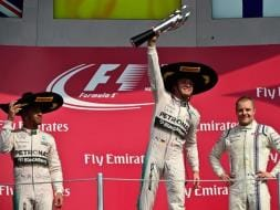 Nico Rosberg Outpaces Lewis Hamilton to Win Mexican Grand Prix