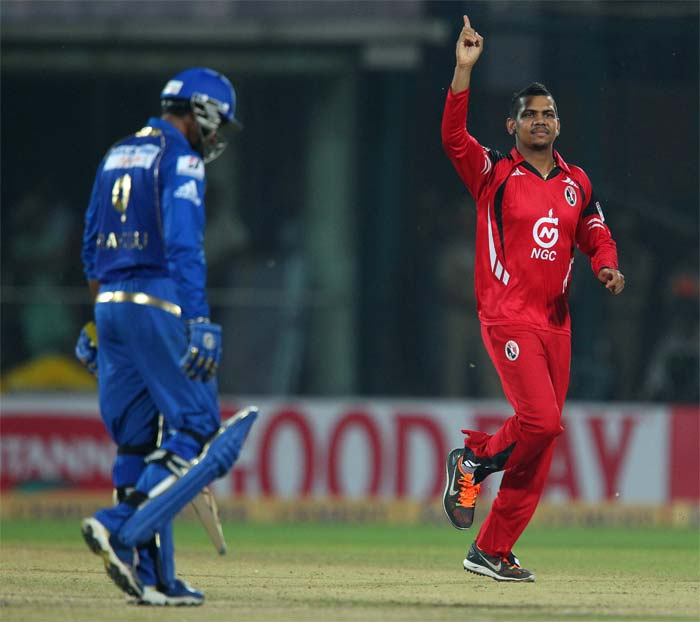 Sunil Narine bagged three wickets but did not get support from other bowlers. He finished with 3/17.
