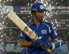 Photo : CLT20 2013: Dwayne Smith powers Mumbai Indians to the final