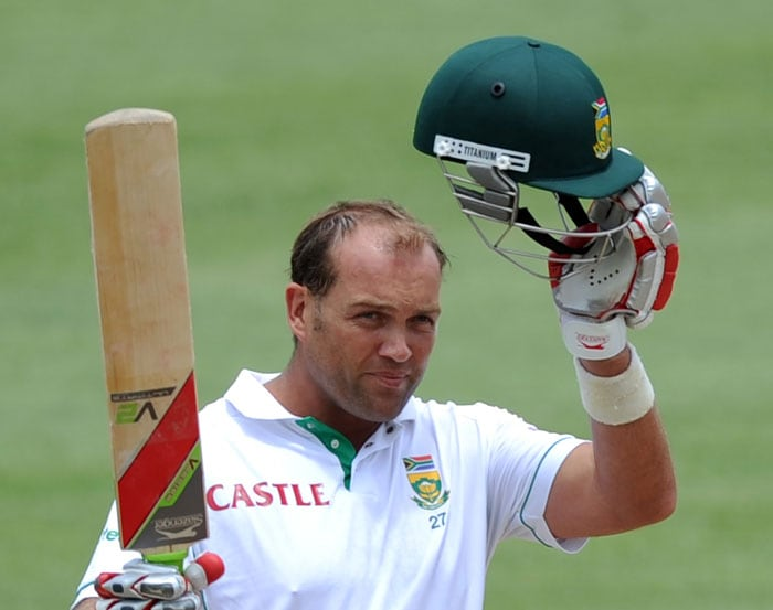 Making his first Test appearance in 1995, Jacques Kallis has so far played 140 Tests. A genuine all-rounder, Kallis has scored 11,126 runs and picked 266 wickets. He has scored 35 hundreds and taken 5 five-wicket hauls.
