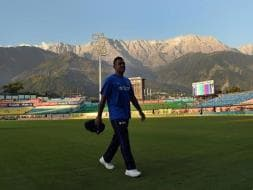 Photo : Mahendra Singh Dhoni, Back to Front